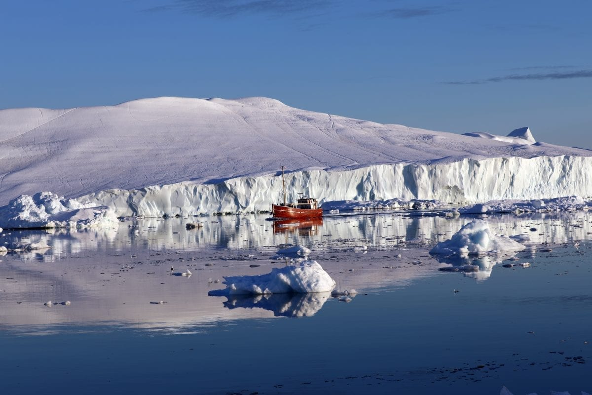 Sailing on the ilulissat Icefjord in Greenland