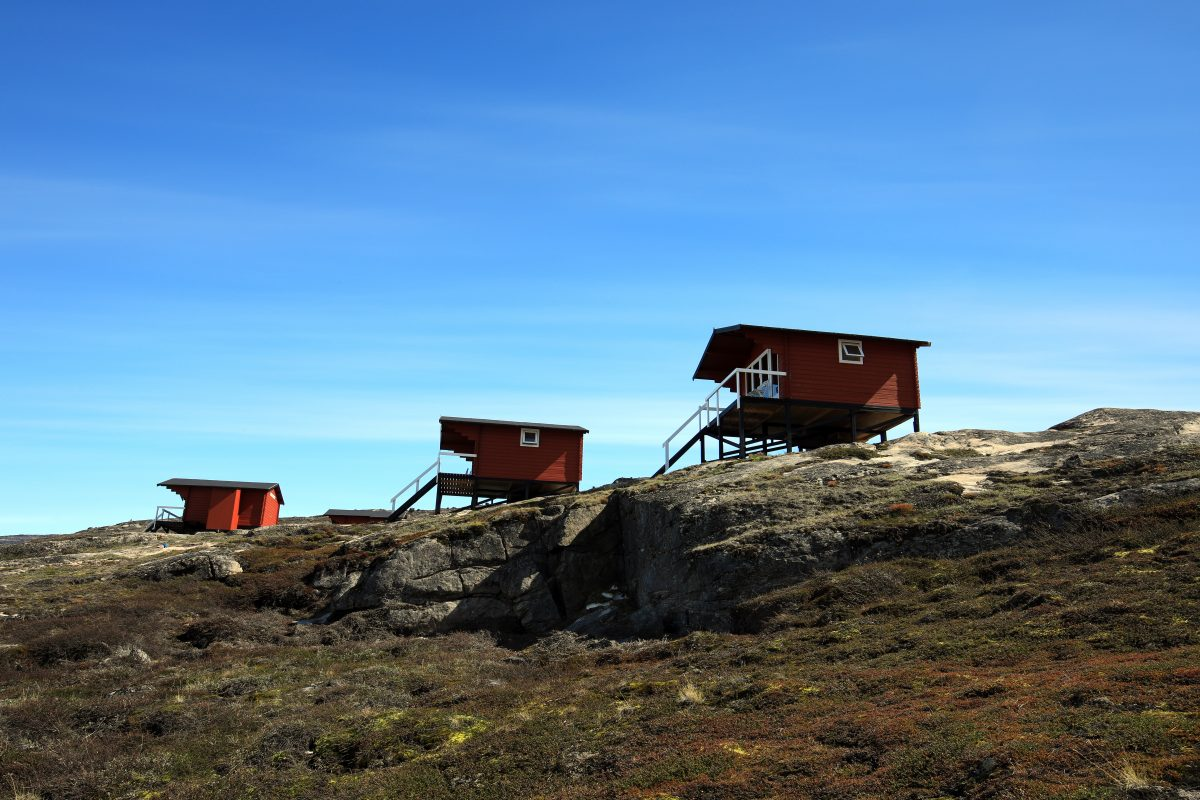 Die Standardkabinen bei Eqi in Grönland - Fotograf: Greenland Travel.